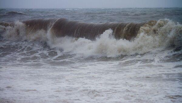 Тайфун Болавен. Архив
