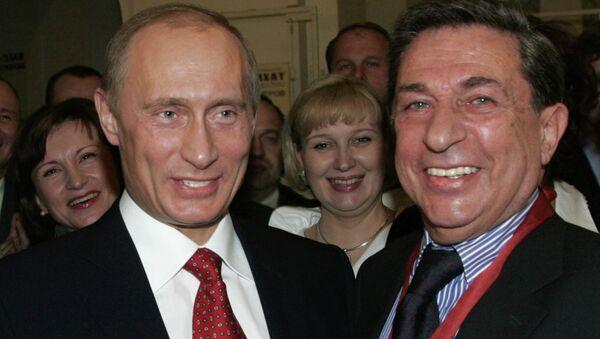 Президент РФ посетил театр Современник