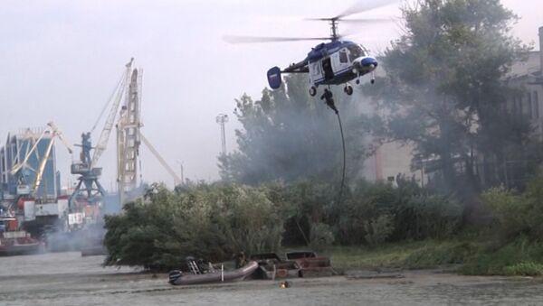 Бойцы подстрелили катер с боевиками и взяли штурмом базу террористов