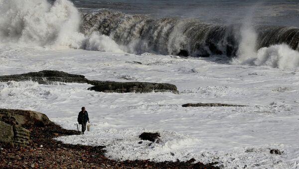 Побережье Уссурийского залива во время тайфуна Санба