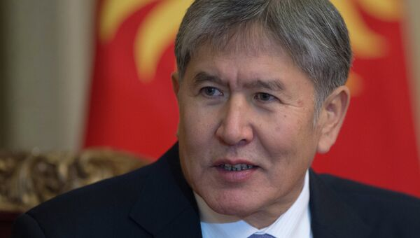 Президент Киргизии Алмазбек Атамбаев. Архив