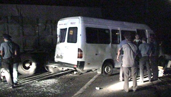 Микроавтобус с детьми столкнулся с КамАЗом. Кадры с места ДТП
