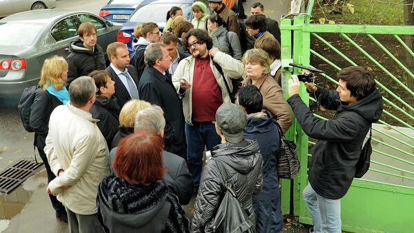 Жители Москвы - пациенты закрываемой больницы № 12 опасаются
