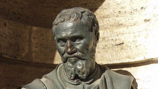 Бюст Микеланджело. Архивное фото