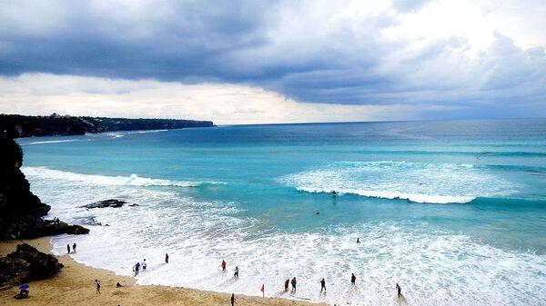 Берег Индийского океана на Бали