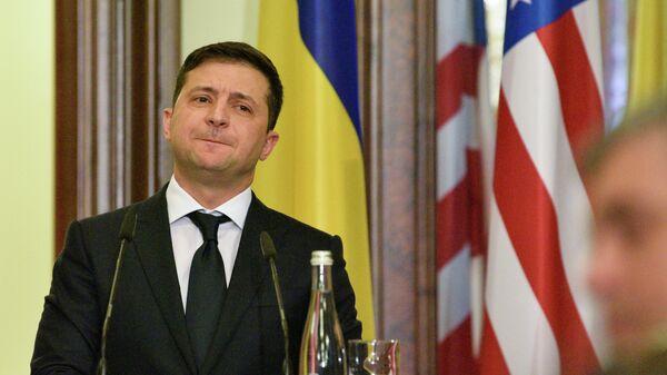 Президент Украины Владимир Зеленский на пресс-конференции по итогам встречи с госсекретарем США Майком Помпео в Киеве