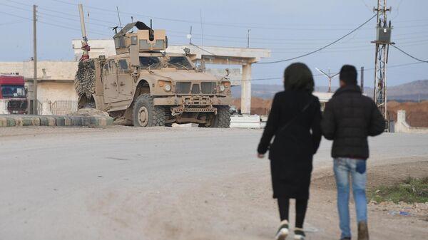 Военный патруль США в  окрестностях города Хасеке