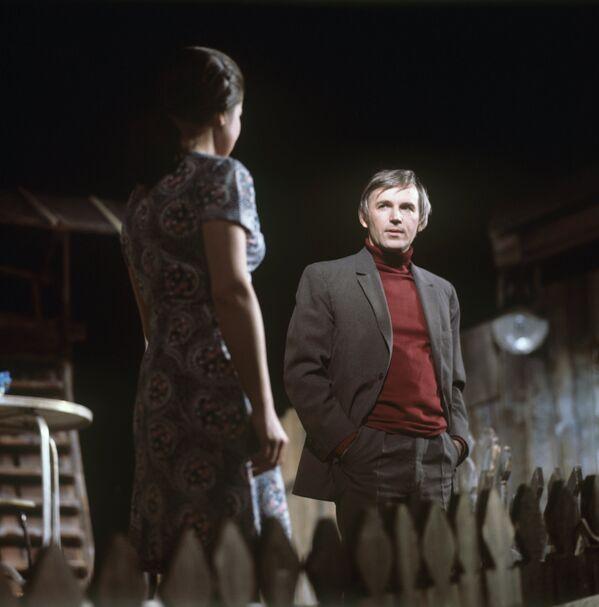 Станислав Любшин в спектакле Прошлым летом в Чулимске