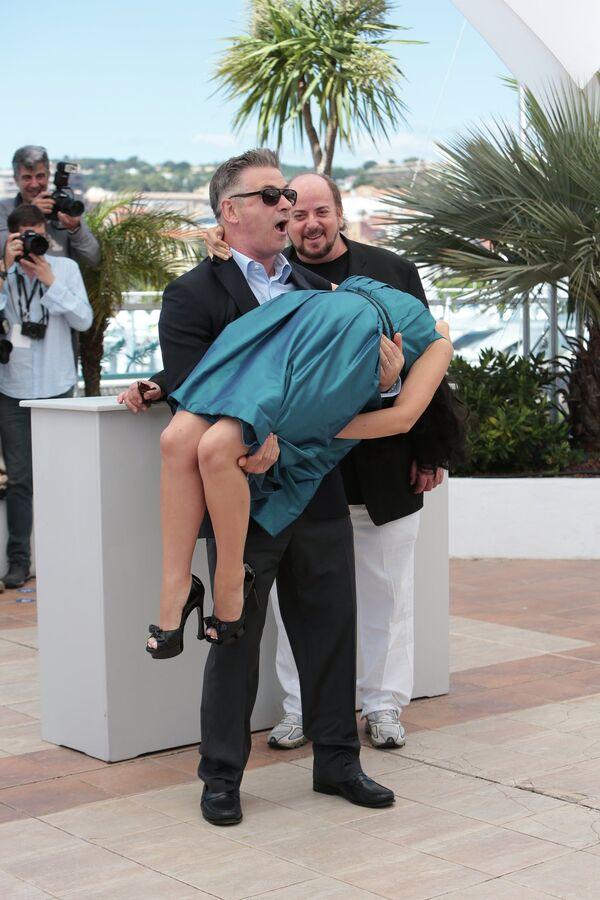 Алек Болдуин с супругой Хилария Томас на 66-ом Каннском кинофестивале