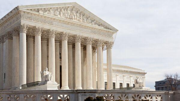 Здание Верховного суда США в Вашингтоне. Архивное фото