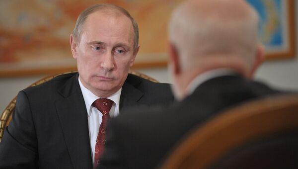 В.Путин устретился с М.Федотовым