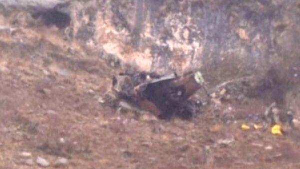 Кадры с места крушения вертолета, при котором погибли 17 военных