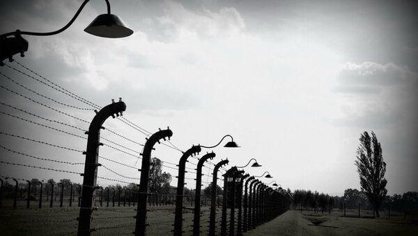 Освенцим сегодня: пустые бараки и разрушенный крематорий