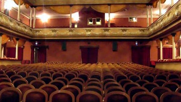 Зал Псковского академического театра драмы имени Пушкина, архивное фото