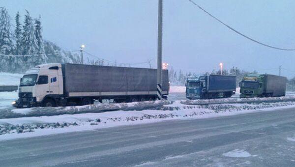 Автомобильная пробка на трассе М-5 в Челябинской области