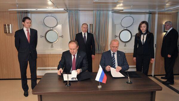 В.Путин на церемонии имянаречения судна Витус Беринг