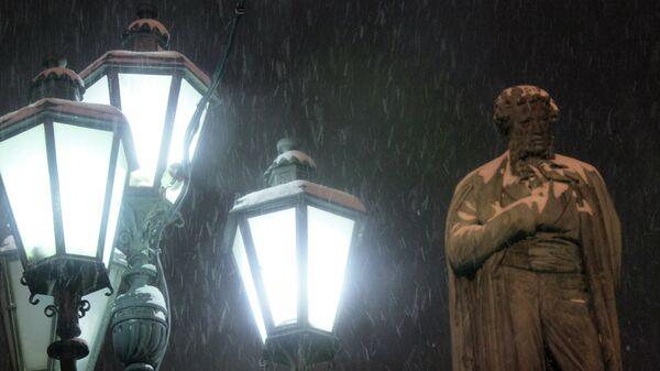 Памятник А. С. Пушкину на Пушкинской площади. Архивное фото
