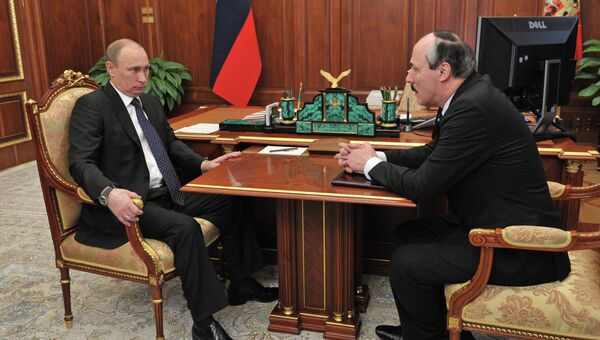 В.Путин встретился с Р.Абдулатиповым