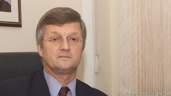 Глава делегации Рособоронэкспорта на 9-й международной авиационно-космической выставке АЭРО ИНДИЯ-2013 Виктор Комардин