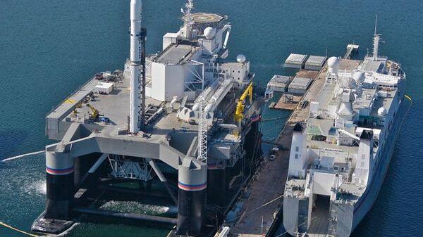 Платформа для запуска ракет в рамках программы Морской старт в Тихом океане. Архивное фото