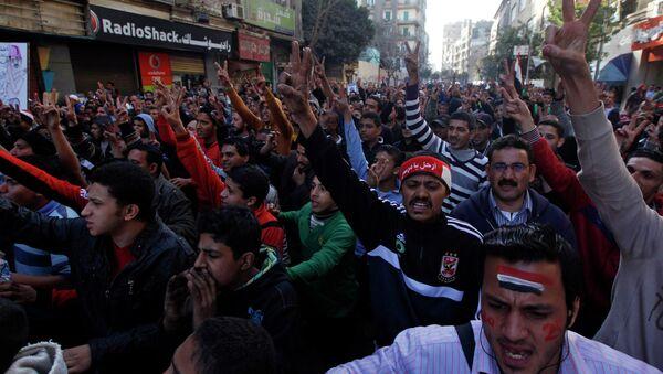 Стычки полиции с молодежью в Каире во вторую годовщину отставки Мубарака