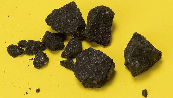 Фрагменты метеорита Sutter Mill, взорвавшегося над штатом Вашингтон
