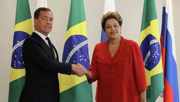 Дмитрий Медведев во время встречи с президентом Бразилии страны Дилмой Роуссефф
