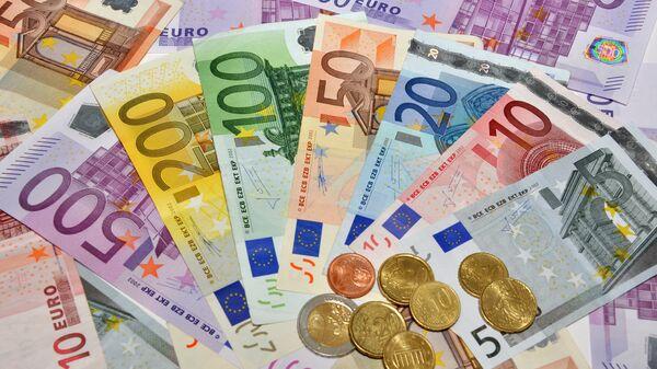 Евро разного номинала, архивное фото