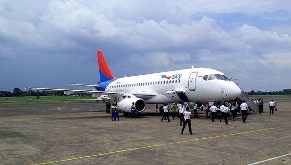 SSJ-100 прибыл в аэропорт Джакарты