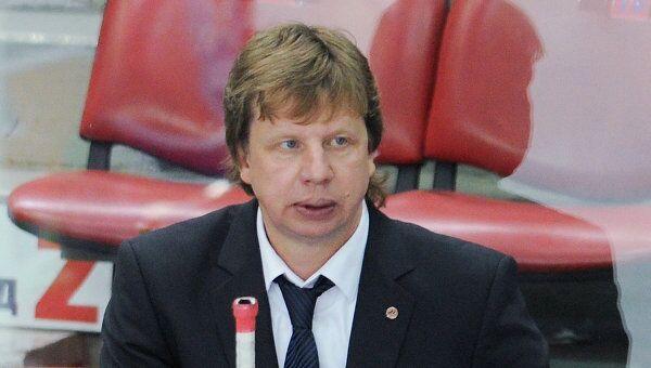 Анатолий Емелин. Архивное фото