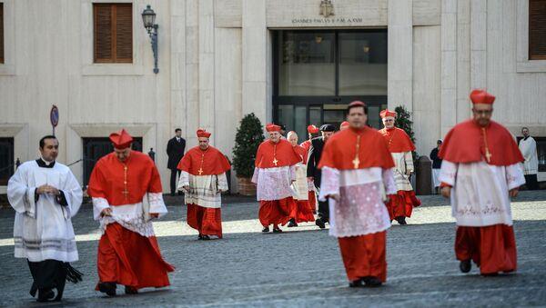 Кардиналы перед началом торжественной мессы в Соборе св. Петра в Ватикане