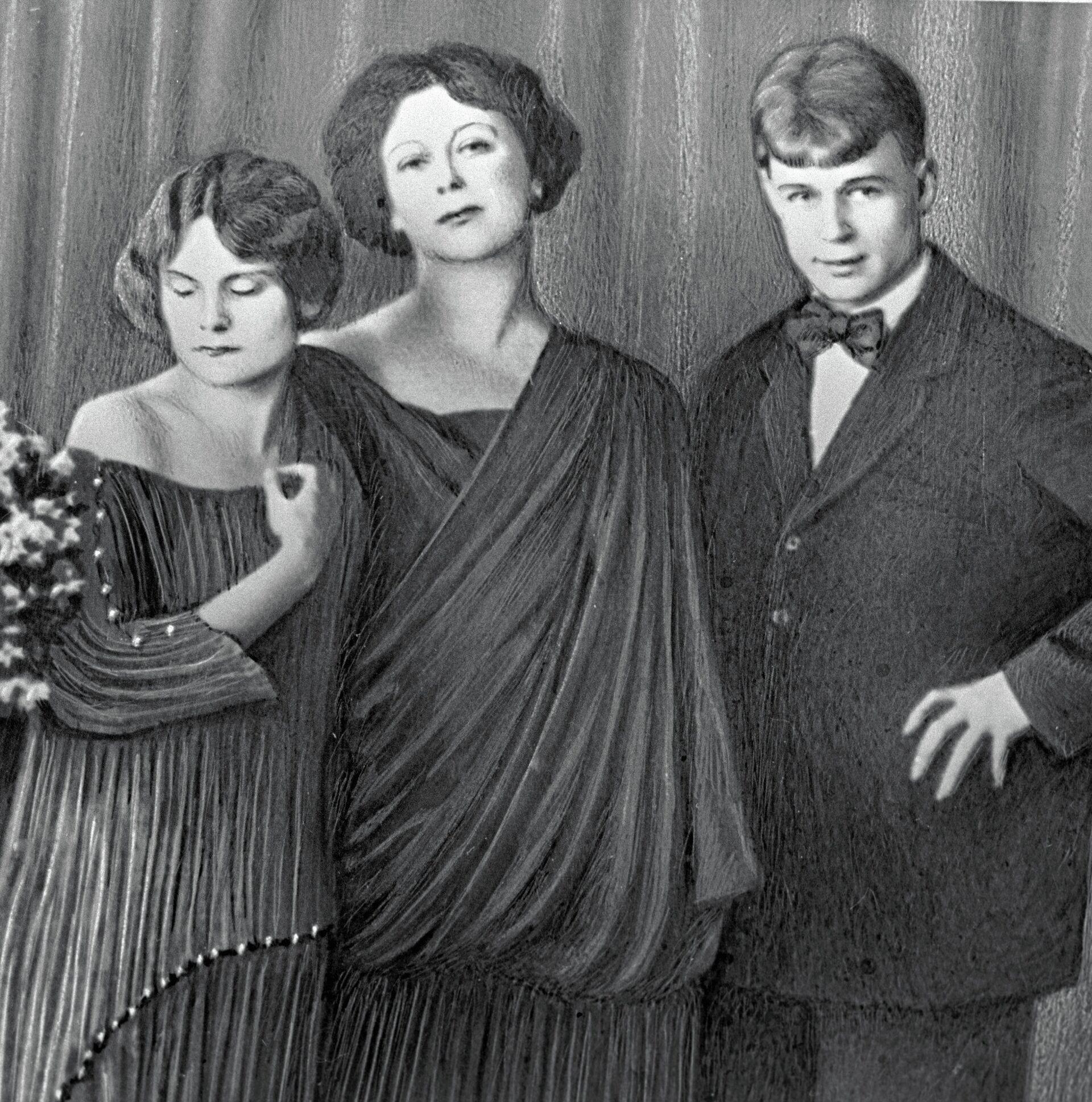 Есенин с Айседорой и Ирмой Дункан - РИА Новости, 1920, 01.10.2021