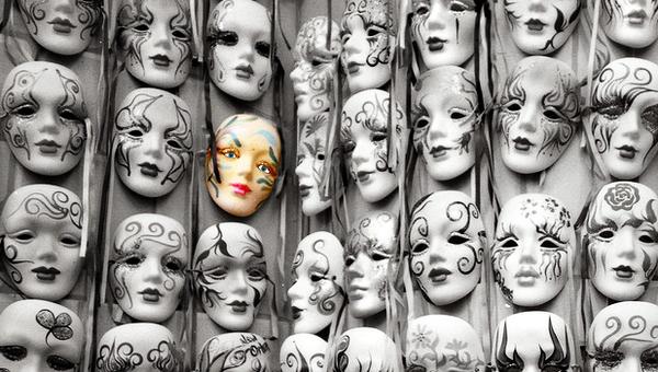 Тетральные маски Нового Орлеана