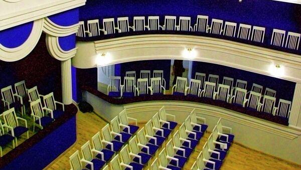 Зрительный зал в Центре оперного пения Галины Вишневской