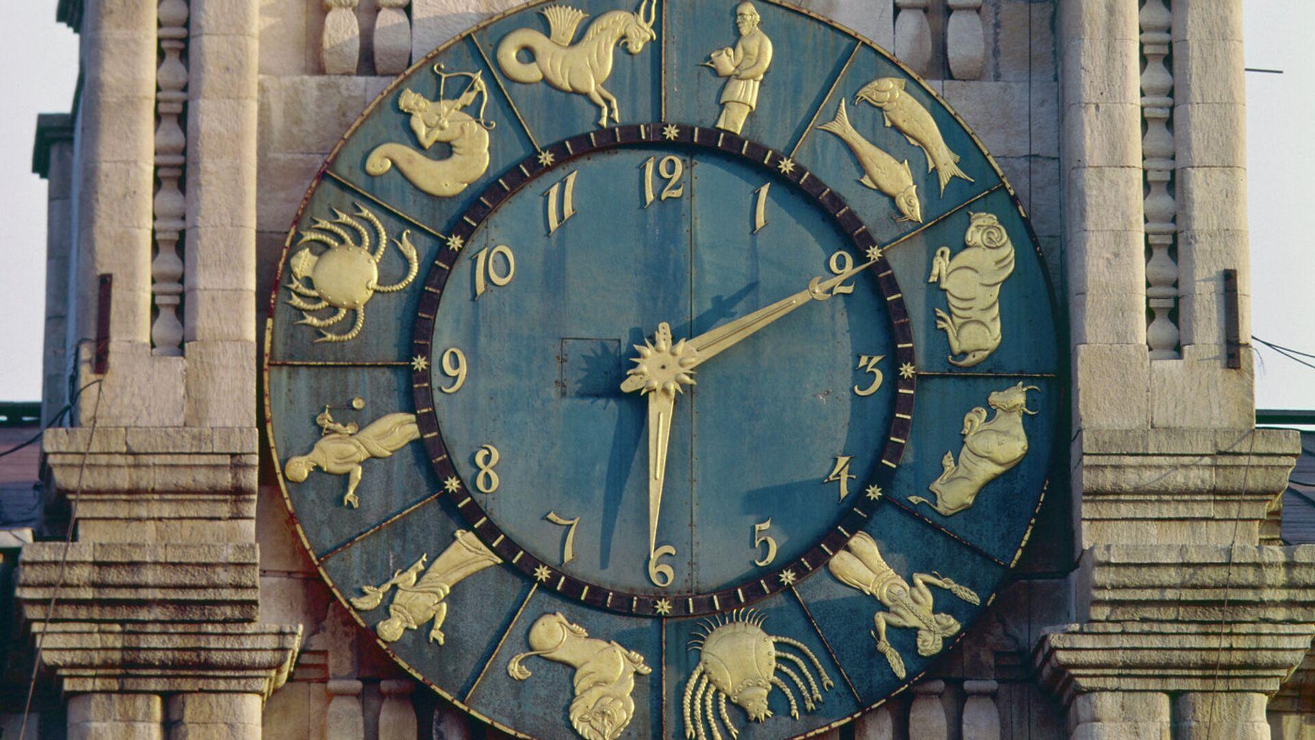 Часы на башне Казанского вокзала в Москве - РИА Новости, 1920, 02.02.2021