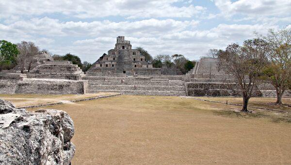 Археологический памятник культуры майя в Эдзна, в штате Кампече, архивное фото