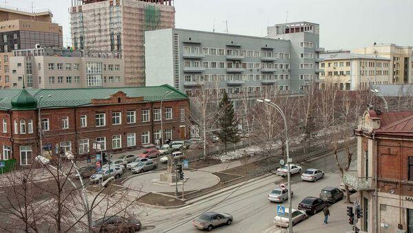 Аллея на Красном проспекте Новосибирска