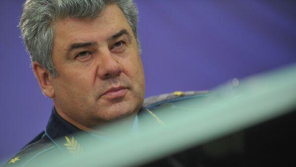 Главнокомандующий Военно-воздушными силами генерал-майор Виктор Бондарев. Архивное фото