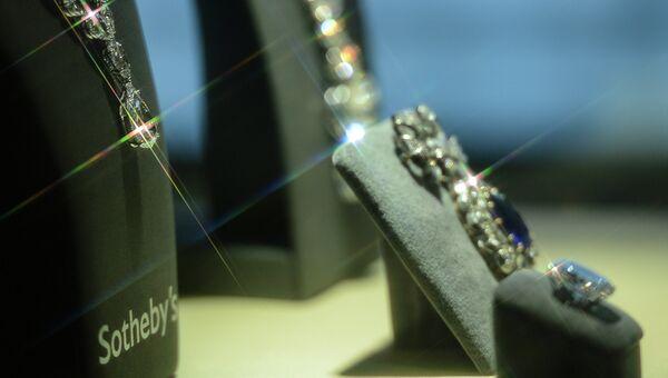 Показ Sotheby's ювелирной коллекции Джины Лоллобриджиды