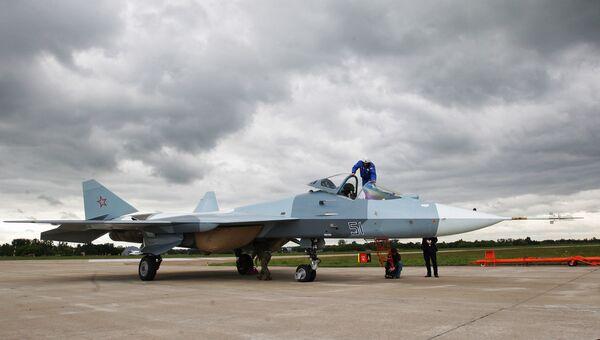 Испытания нового боевого самолета пятого поколения Т-50. Архив