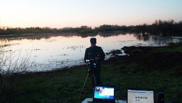 Розлив нефтепродуктов на реке Малый Караман в Саратовской области