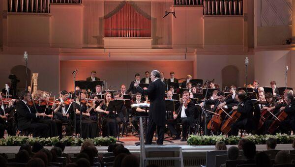 Симфонический оркестр Мариинского театра под управлением Валерия Гергиева. Архивное фото
