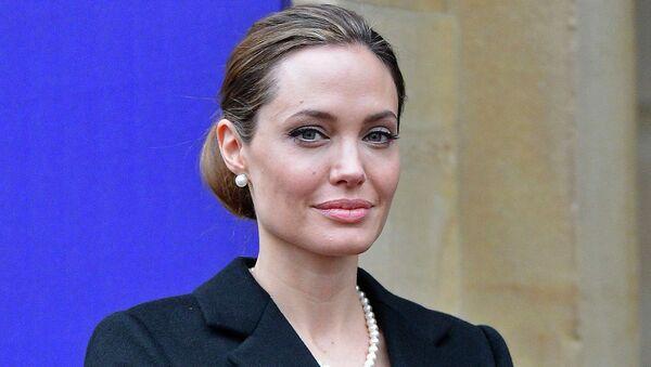 Актриса и режиссер Анджелина Джоли