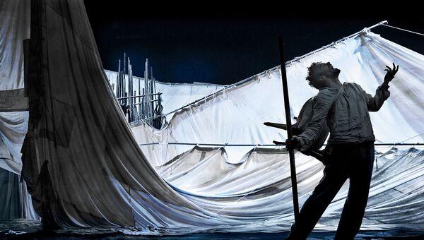 Сцена из спектакля Рауль