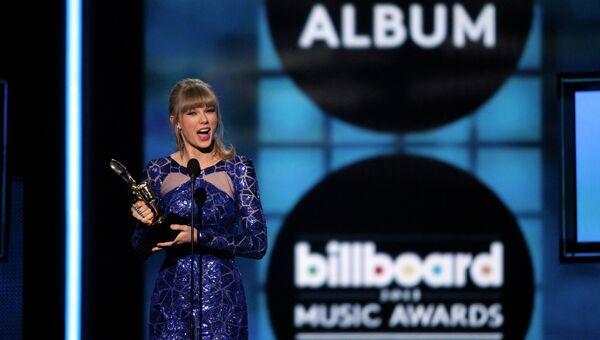 Певица Тейлор Свифт на церемонии вручени наград журнала Billboard