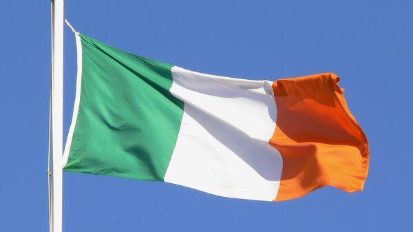 Флаг Ирландии. Архивное фото.
