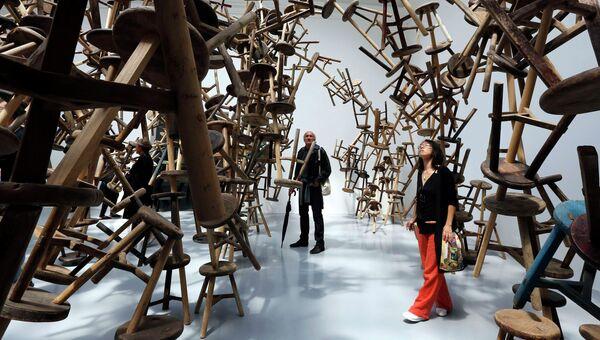 Инсталляция Взрыв художника Ай Вэйвэя на 55-й Венецианской биеннале