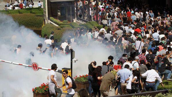 Беспорядки на площади Таксим в Стамбуле