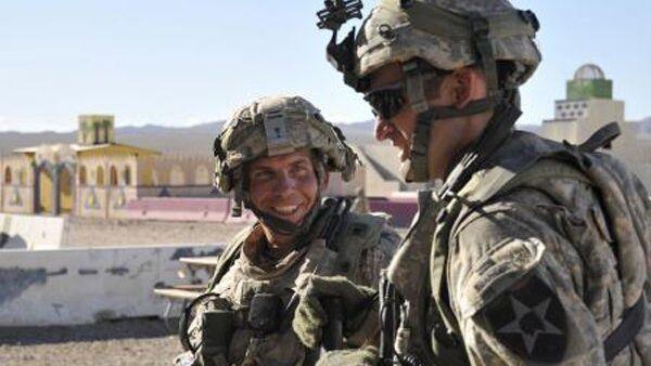 Сержант вооруженных сил США Роберт Бэйлс (на фото слева). Архив