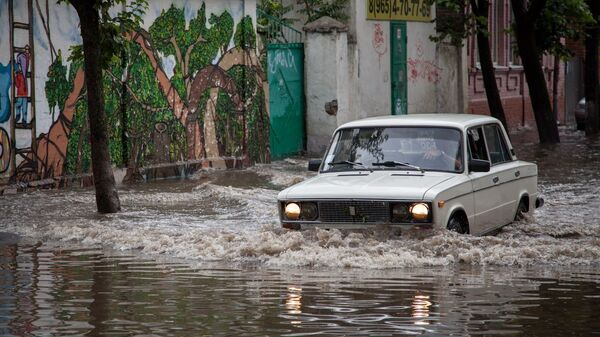 Краснодар после дождя превратился в маленькую Венецию